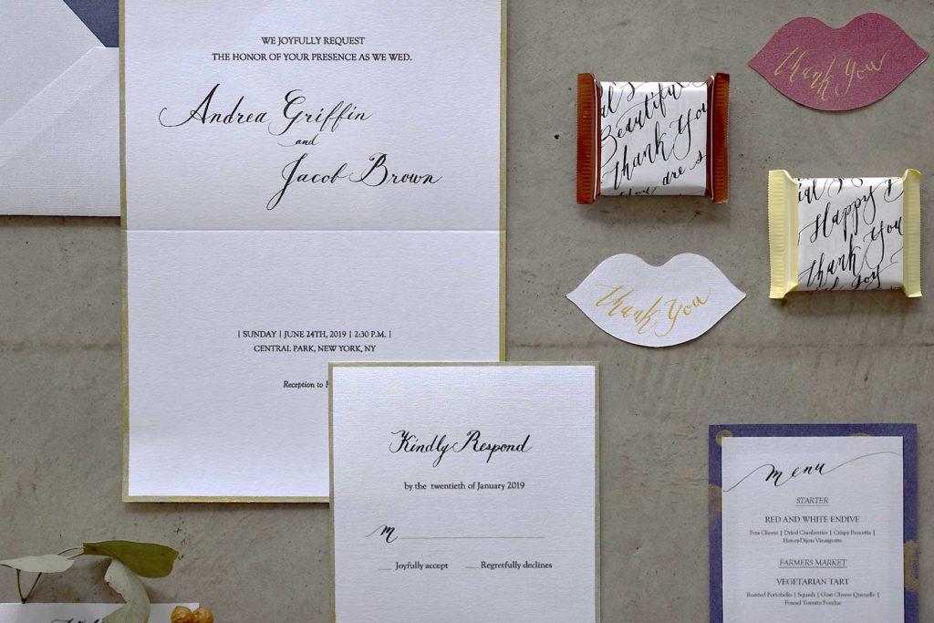 ウエディングツール一式をイメージして作った自主制作作品です。招待状、席札、ギフトパッケージ、メニュー表など、準備段階から当日のスタイリングまで一連の流れをイメージして制作しました。